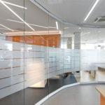Чем можно объяснить популярность офисных перегородок из стекла?